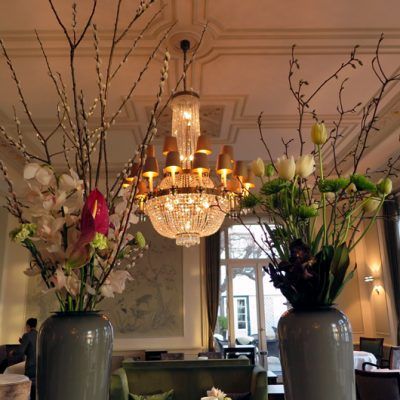 Blumen im Restaurant.
