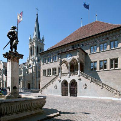 Das historische Rathaus in voller Pracht. (Foto: Bern Tourismus)