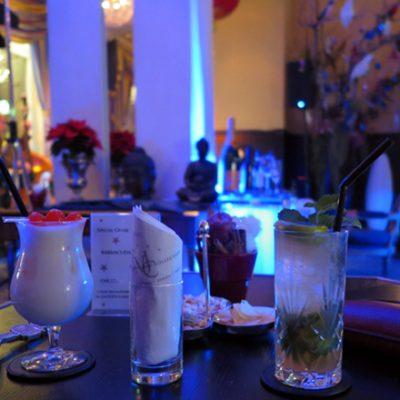 Drinks in der Eden Lobby Bar.