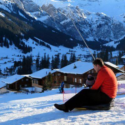 Winterspaß mitten im Dorf.