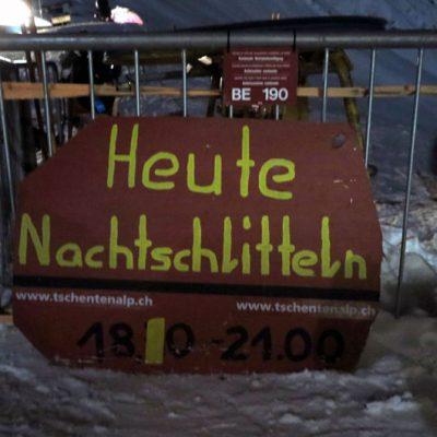 Nachtschlittel-Spaß bei Vollmond auf der TschentenAlp.
