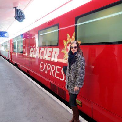 … und dann das obligatorische Touristen-Foto mit dem Glacier Express machen.