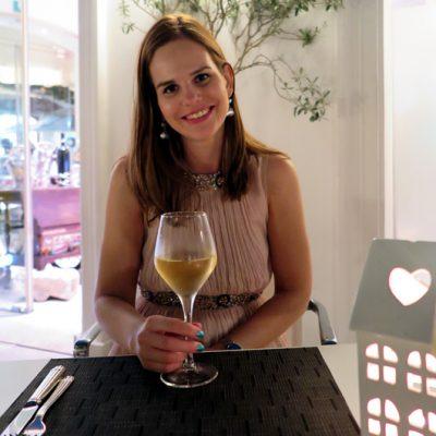 Dinner im Restaurant des Meliá Hotels. Kleid: Impressionen Versand.