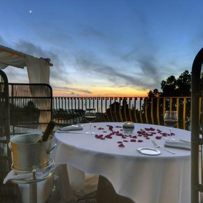 Wenn bei Capri die rote Sonne im Meer versinkt... (Foto: Meliá Capri)