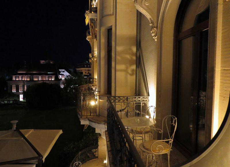 Abendstimmung auf dem Balkon des Beau-Rivage.
