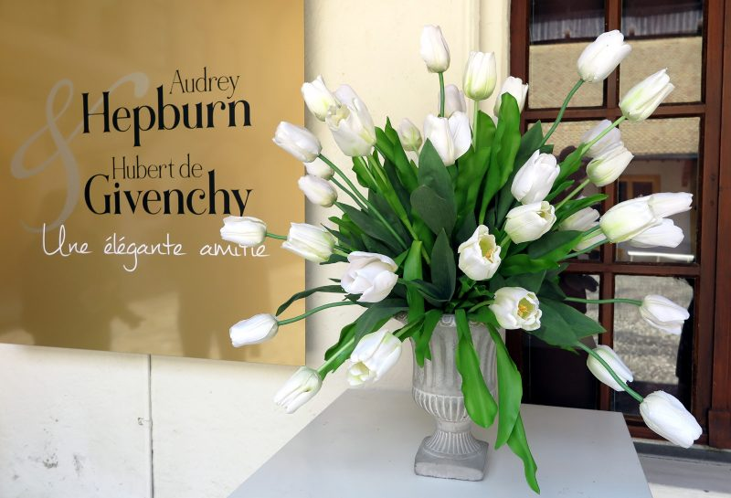 "Beginn der Ausstellung ""Audrey Hepburn und Hubert de Givenchy""."