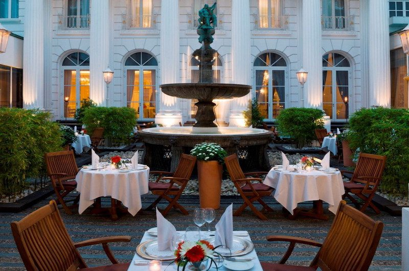 The romantic courtyard. (Photo: Atlantic Kempinski Hamburg)